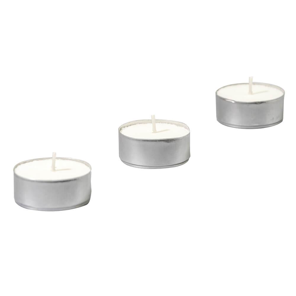 Kerzen und Teelichter